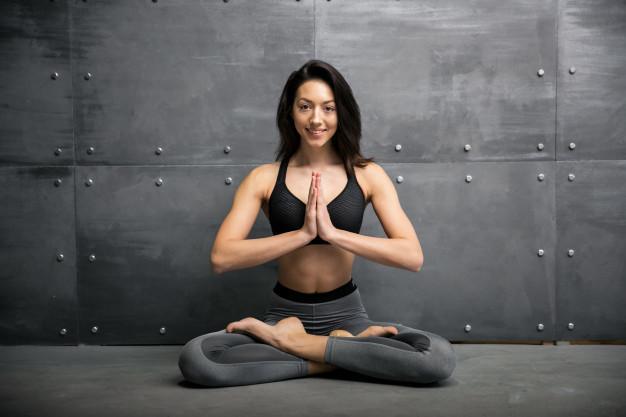 girl gym doing yoga 1303 5824