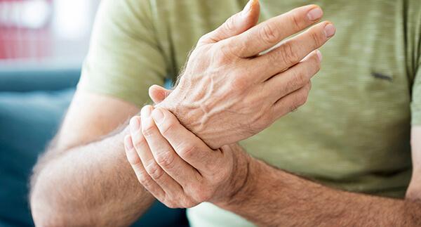 O que é artrite psoriática simétrica?